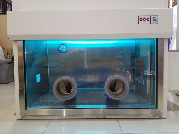 Biosafety-Cabinet-Class-III-Tampak-Depan