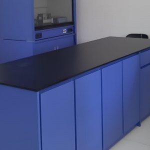 Meja Laboratorium Untuk Analis Laboran